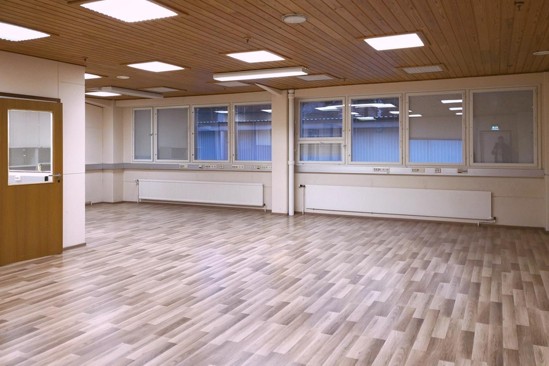 Toimitilanne Suomi, Nurmijärvi - Klaukkala, Lahnuksentie 215. Toimistotila 147 m².