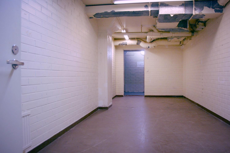 Vuokrattu: Varastotila 40 m², Kiviruukki - Espoon Kiviruukista (Ruukinkuja 4) vuokrattiin juuri 40 m²:n kokoinen varastotila. Samassa kiinteistössä on samassa kokoluokassa vapaana kuitenkin vielä varastotila 49 m². Tutustu tilaan ja ota yhteyttä!