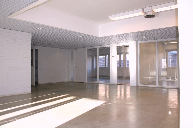 Toimitilanne Suomi, Helsinki - Lauttasaari, Itälahdenkatu 23. Toimisto- tai varastohuone 16,5 m².