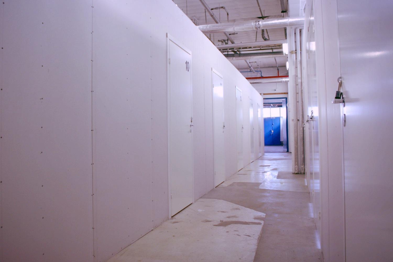 Pienvarasto 9 m² Klaukkalassa - Lahnuksentie 215:ssä Nurmijärven Klaukkalassa on juuri vapautumassa 9 m²:n kokoinen pienvarasto. Jos se ratkaisisi säilytysongelmasi, ota yhteyttä Tatu Hyväriseen p. 040 145 7845.