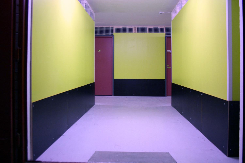 Pienvarasto 13 m² vuokrattiin Kiviruukista, muutama varasto vapautumassa - Espoon Kiviruukista (Ruukinkuja 4) vuokrattiin juuri 13 m²:n kokoinen pienvarasto. Kesäkuun alussa vapautuu samassa rakennuksessa kaksi pienvarastoa 9 m² ja 13 m². Kysy niistä Björn Lindgreniltä p. 041 581 8560.