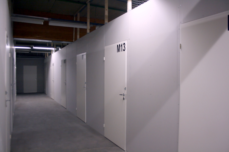 Orimattilasta vuokrattiin pienvarastot 9 m² ja 12 m². Näitä vielä vapaana. - Kaitilantie 30:sta Orimattilasta Lahden seudulta vuokrattiin juuri kaksi pienvarastoa kooltaan 9 m² ja 12 m². Näitä käteviä pienvarastoja on vielä vapaana, lue lisää ja ota meihin yhteyttä.