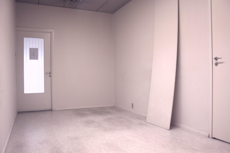 Pienvarastot 12 m² ja 14 m² vuokrattu. Varastoja vielä vapaana! - Kaitilantie 30:sta Orimattilasta Lahden seudulta vuokrattiin juuri pienvarasto 12 m² ja pienvarasto 14 m². Jäljellä on vielä erikokoisia pienvarastoja, tutustu kelpo varastokokoelmaamme.
