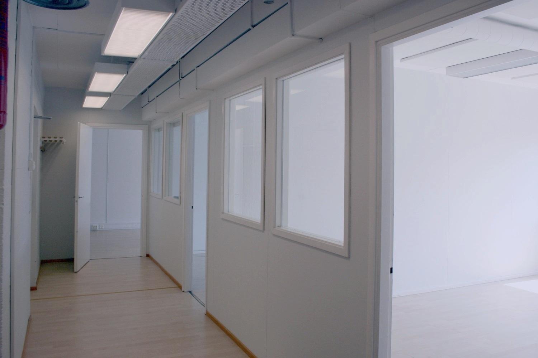Toimistotila 79 m² ja varastohuone 22 m² Lauttasaaressa 1.9.2019 alkaen - Syyskuun alussa tarjolla mainio yhdistelmä toimistoa ja varastoa. Toimistotilassa 79 m² kolme huonetta, oma keittiö ja wc. Säilytystilaksi voi vuokrata varastohuoneen 22 m² kellarikerroksesta, suurempiakin varastoja on tarjolla. Lue lisää:- Toimistotila 79 m²- Varastohuone 22 m²Björn Lindgreniltä lisätietoja, p. 041 581 8560.
