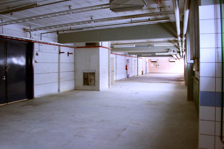 Varasto 143 m² vapautuu Nurmijärvellä - Vuokrataan Nurmijärven Klaukkalasta (Lahnuksentie 215) varastotila 143 m². Tila sijaitsee rakennuksen ensimmäisessä kerroksessa ja siihen johtaa oma nosto-ovi. Yhteydenotot: Tatu Hyvärinen, p. 040 145 7845.