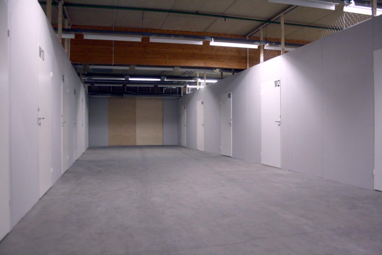 Pienvarastot 5 m² ja 16 m² vuokrattiin Orimattilasta - Lahden seudulta Orimattilasta (Kaitilantie 30) vuokrattiin juuri pienvarastot 5 m² ja 16 m². Pienvarastoja on vielä vapaana 9 m²:n ja 39 m²:n välillä. Kysy lisää: Milla Leisso p. 040 764 0812.