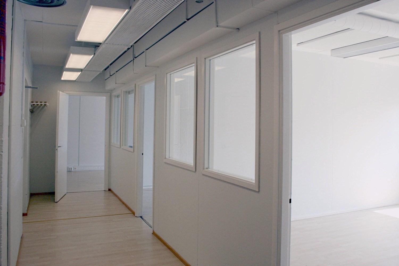 Toimistotila 79 m² vuokrattiin Lauttasaaresta - Itälahdenkatu 23:n toimistotilamme 79 m² valikoitui erään yrityksen toimitilavalinnaksi. Samassa rakennuksessa on vielä alle kootut vapaat toimistotilat sekä muutama vapaa toimistohuone.Yhteydenotot: Björn Lindgren p. 041 581 8560