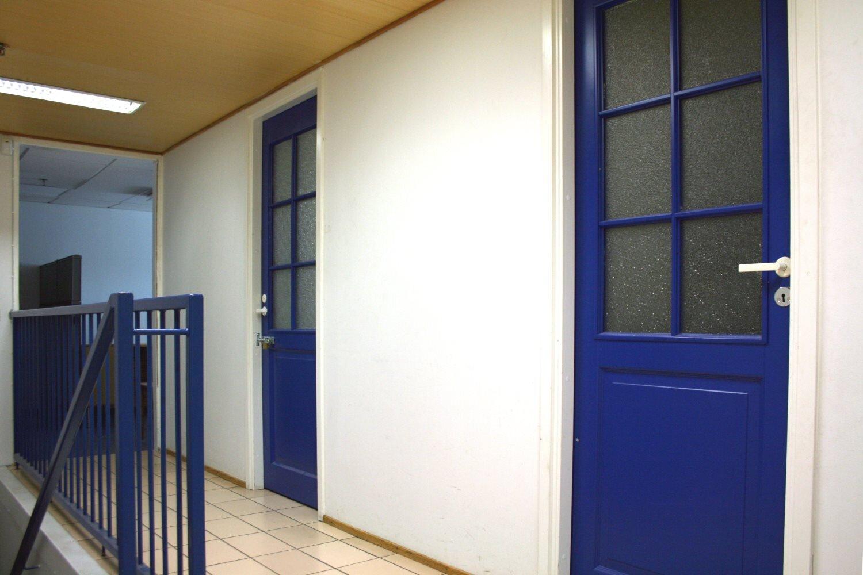 Varastohuone 10 m² vuokrattiin Kauklahdesta - Sierakiventie 8-10:stä Espoon Kauklahdesta vuokrattiin juuri 10 m²:n kokoinen varastohuone (2. krs.). Vapaita varastotiloja on vielä kooltaan 58-240 m², lue näistä lisää täältä.Lisätietoja Björn Lindgreniltä, p. 041 581 8560.
