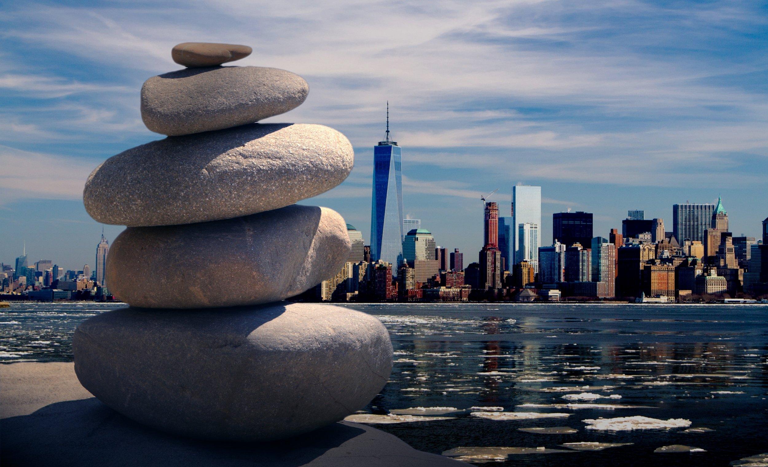 city-cityscape-meditation-289588.jpg