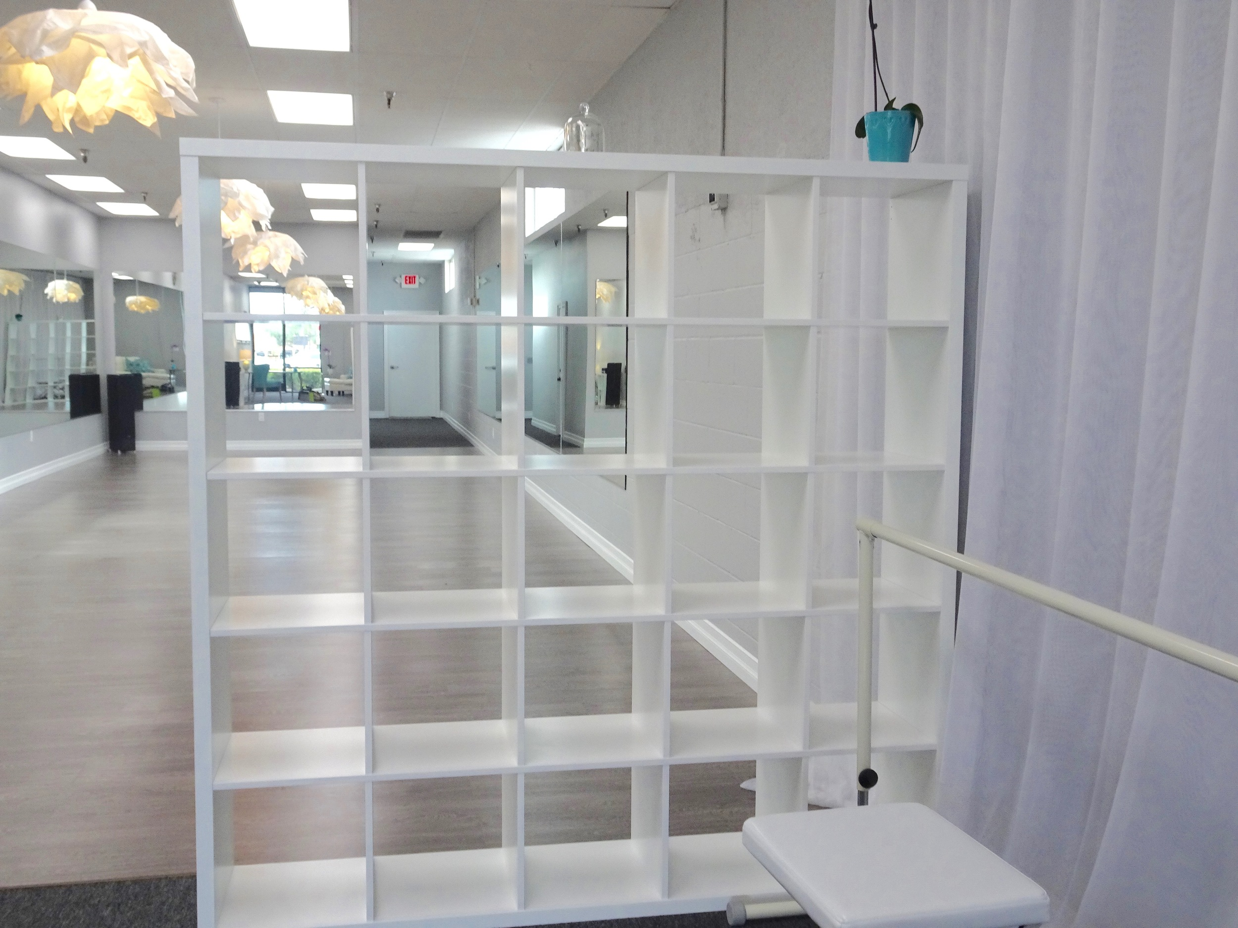 Shelving for guest belongings