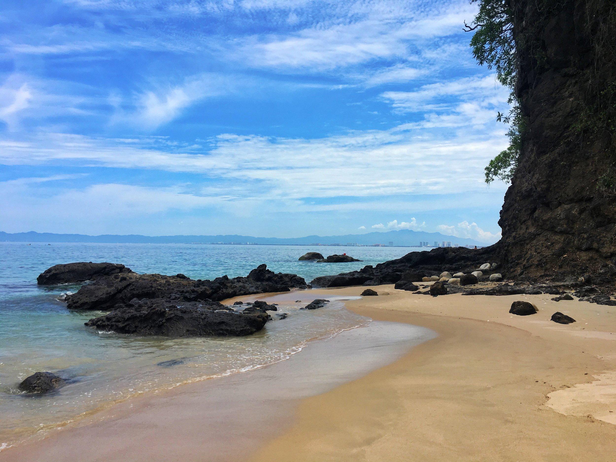 Facing the northern end of Playa Punta Negra