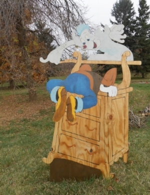I made this Halloween yard decoration of Goofy from Lonesome Ghosts. One of my all-time favorite Disney featurettes.