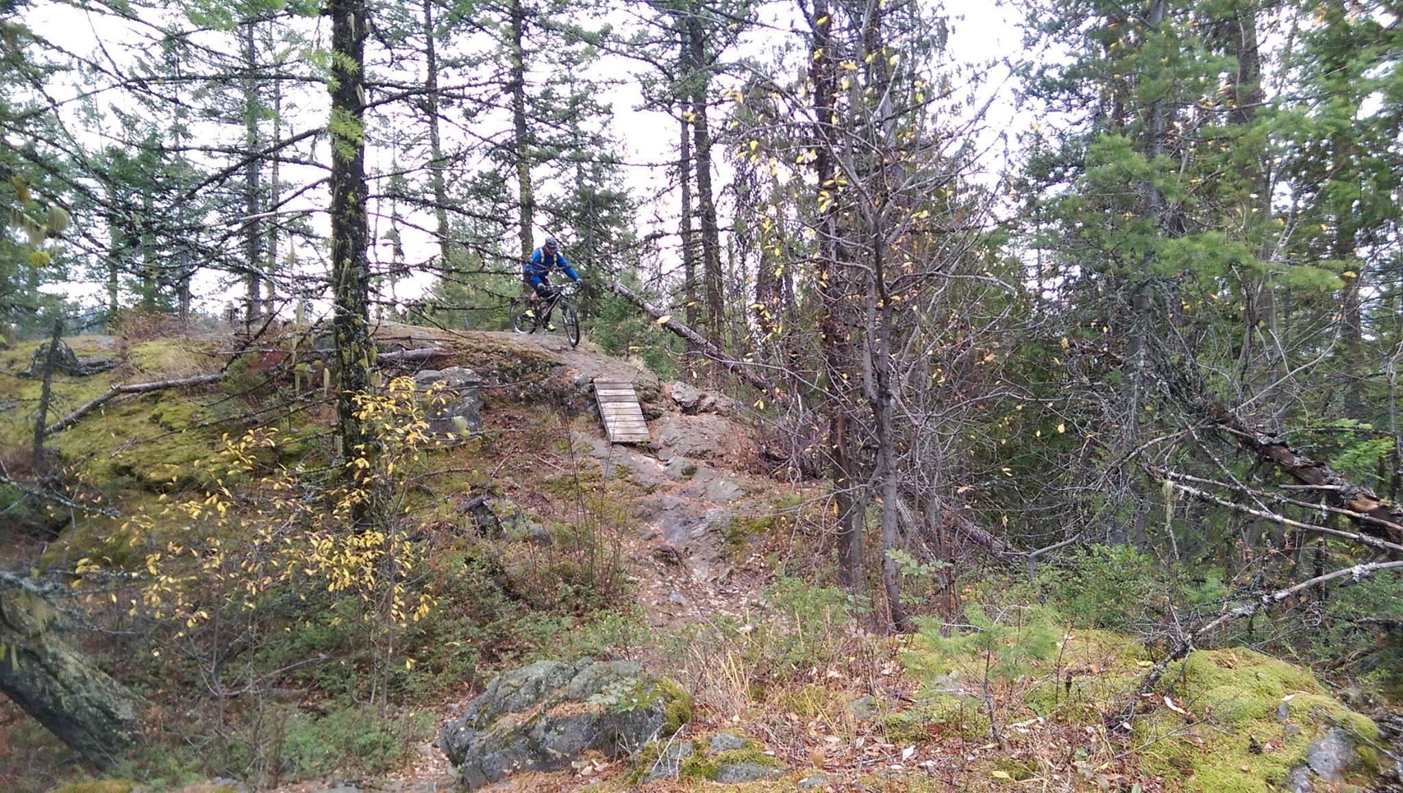 vanlife-rv-campervan-rent-idaho-sun-valley-boise-wandervans-wanderlust-skiing-snowboard-biking-hiking-outsidevan-Wandervans-rosslan-british-columbia-canada