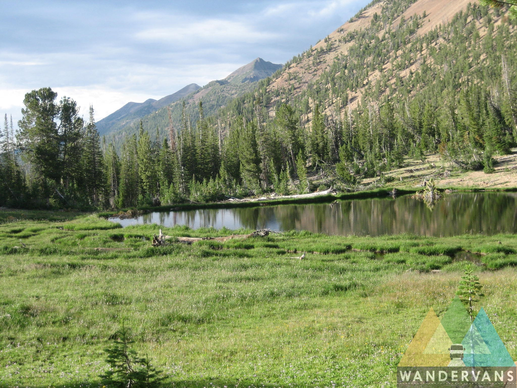 vanlife-rv-campervan-rent-idaho-sun-valley-boise-wandervans-wanderlust-skiing-backcountry-snowboard-sawtooth-jarbridge-mountains-nevada