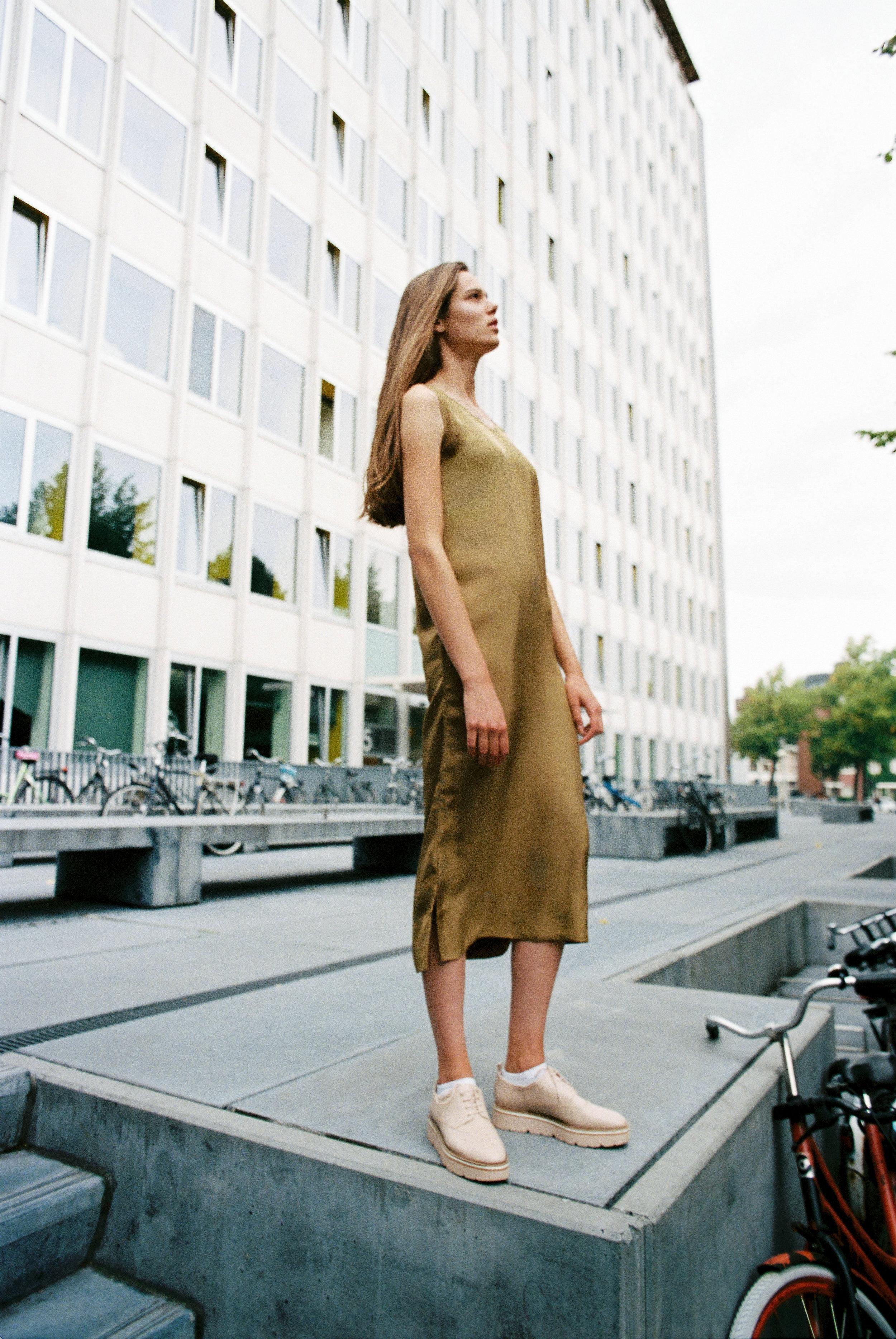 Roll 01-0015-Amsterdam- Ilse Tuit-KodakPortra400-Edit.jpg