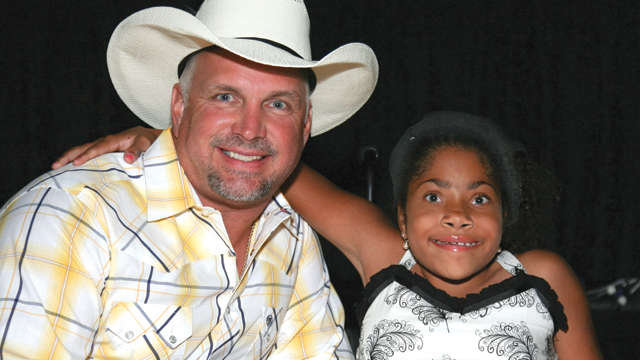 Photo courtesy: Garth Brooks Foundation Teammates for Kids