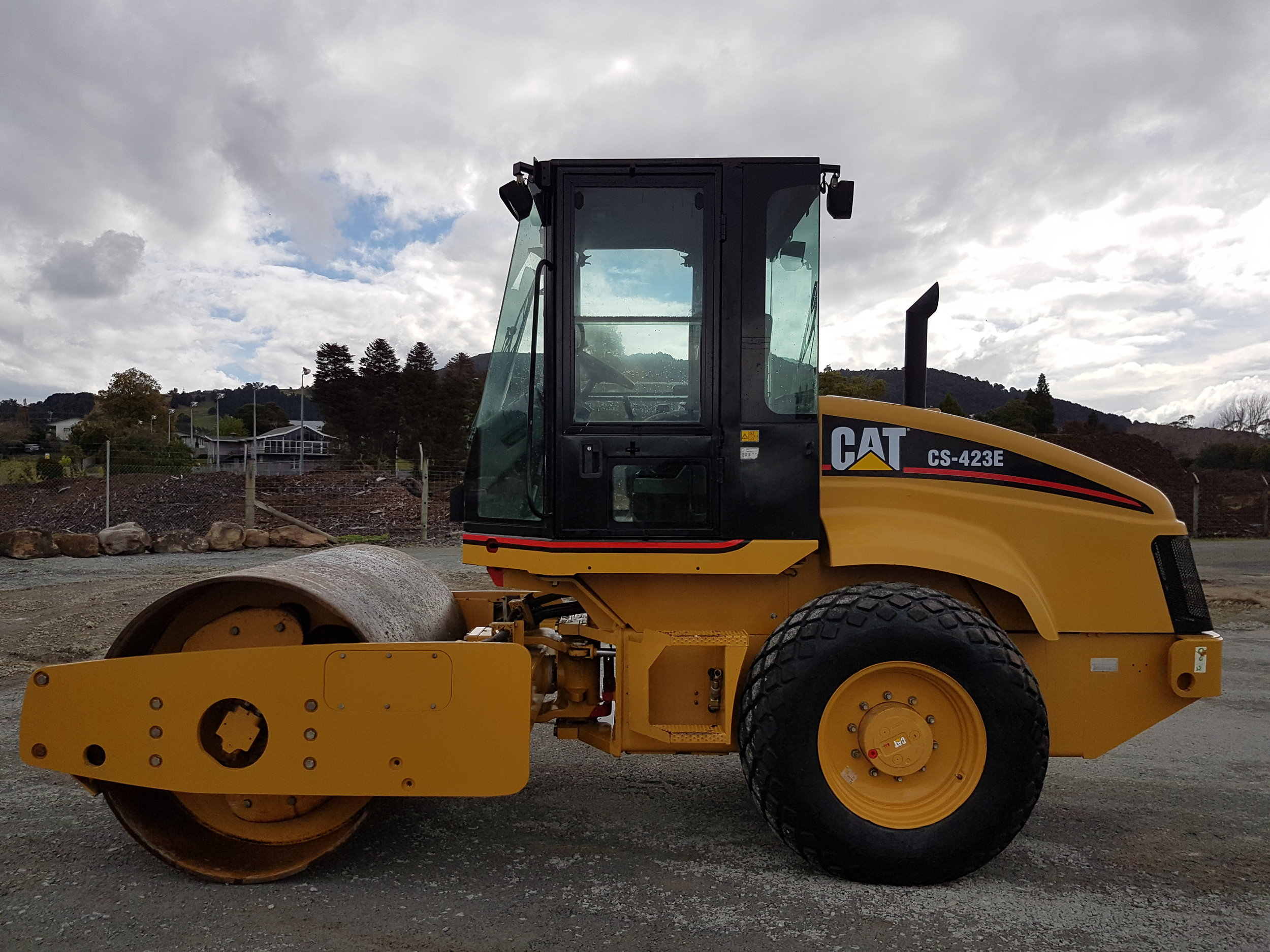 CAT CS423E 7 Tonne Roller, 2200 hours