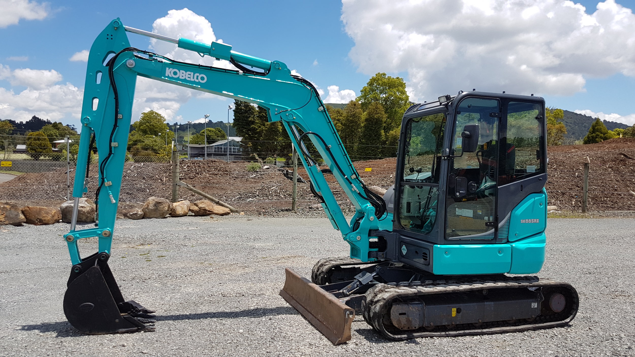2015 Kobelco SK55SRX-6 with rock bucket - 990 hours