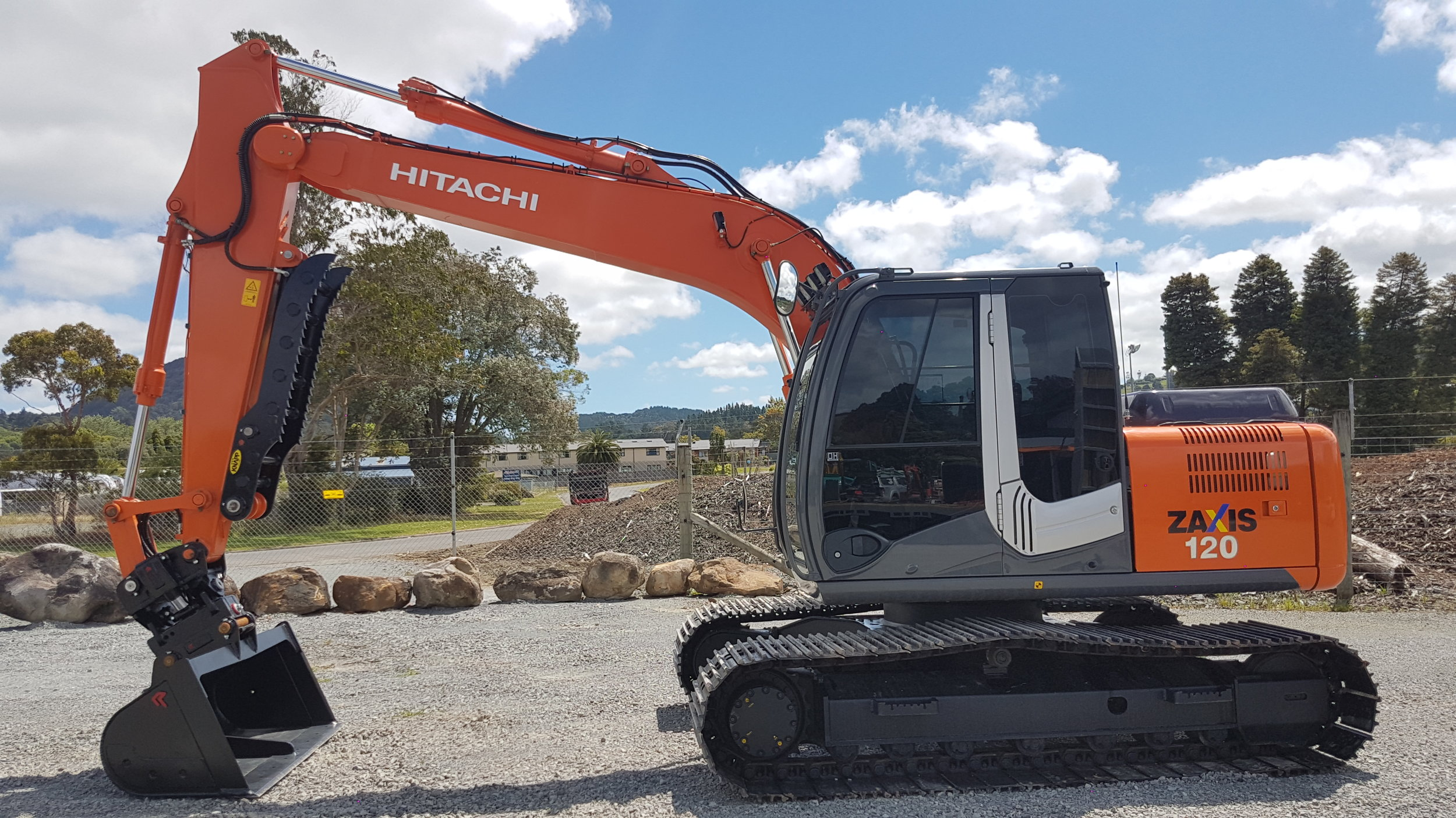 2013 Hitachi ZX120-3 - only 1040 hours!