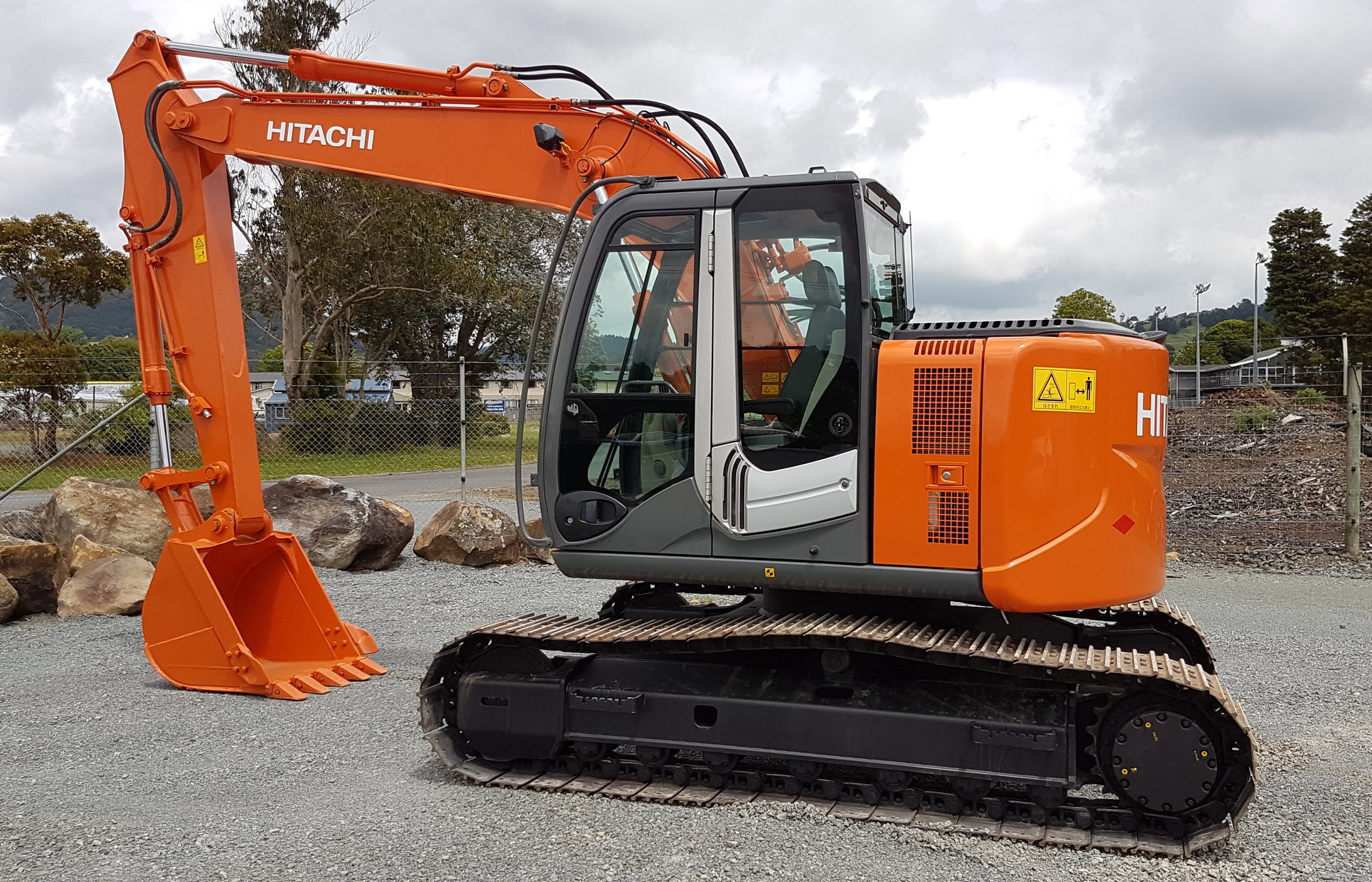 2012 Hitachi ZX135US-3 - 2400 hours