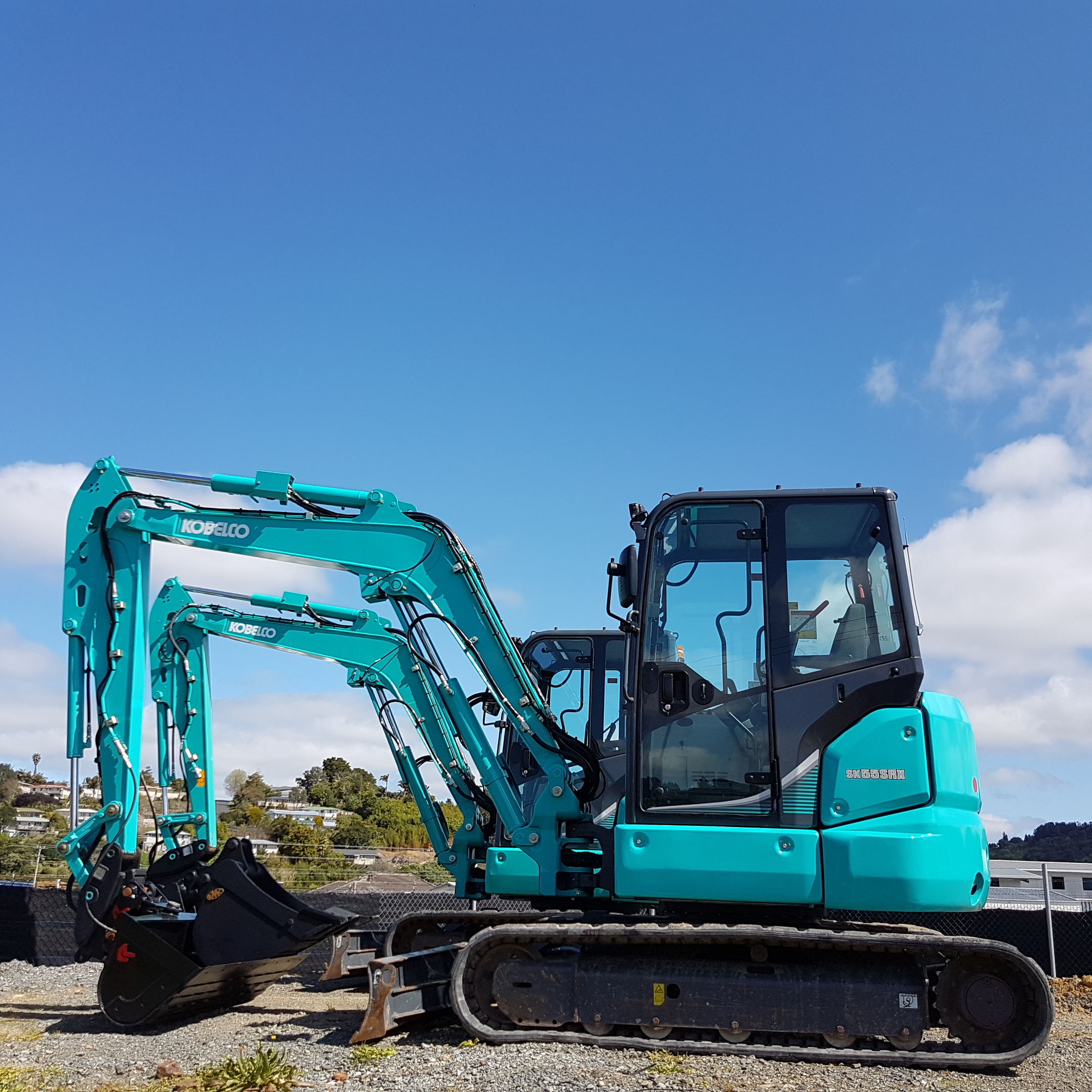 2015 Kobelco SK55SRX-6 with Geith Hitch & Robur Tilt Bucket - only 1060 hours!