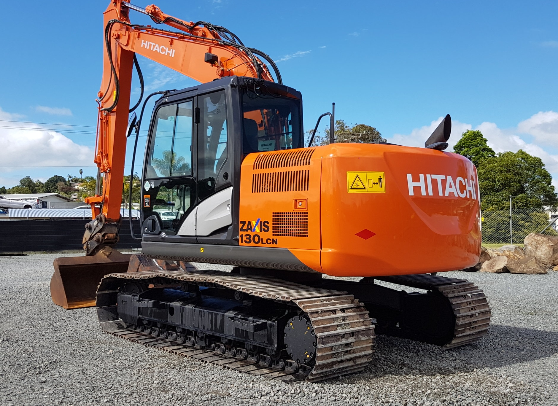 2014 Hitachi ZX130LCN-5B fitted with hyd hitch & tilt bucket