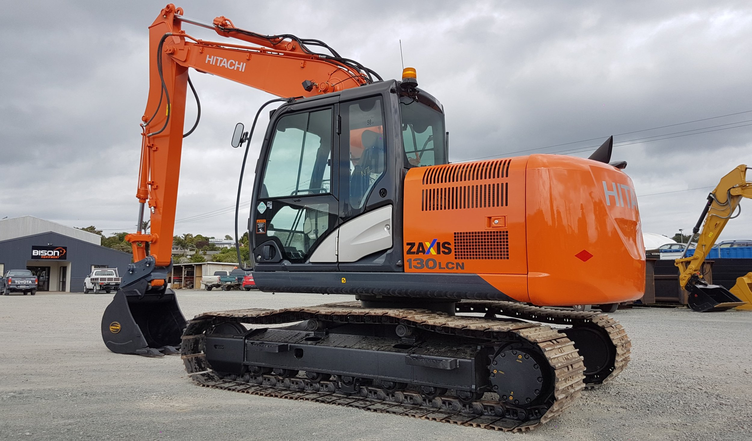 2015 Hitachi ZX130LCN-5B - only 1940 hours! (Fitted with A2 Tilt Hitch)