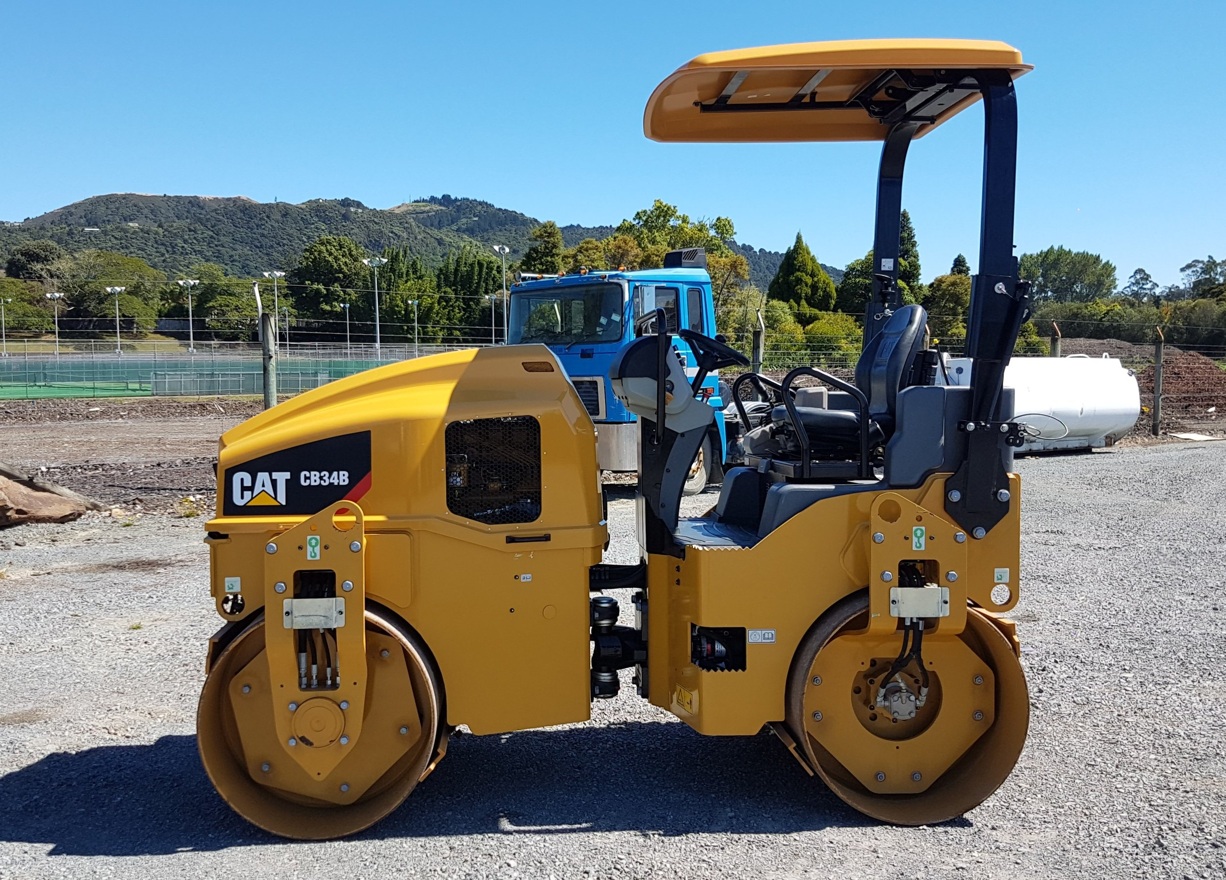 2016 CAT CB34B  Roller - Only 75  hours!