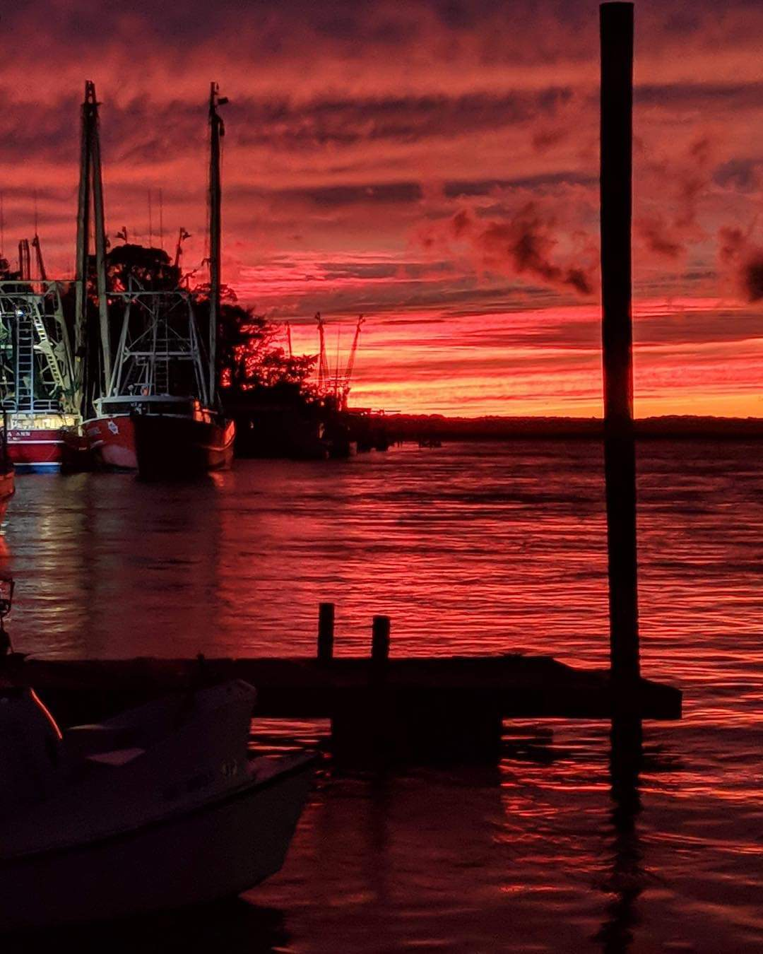 shrimp boat sunset.jpg