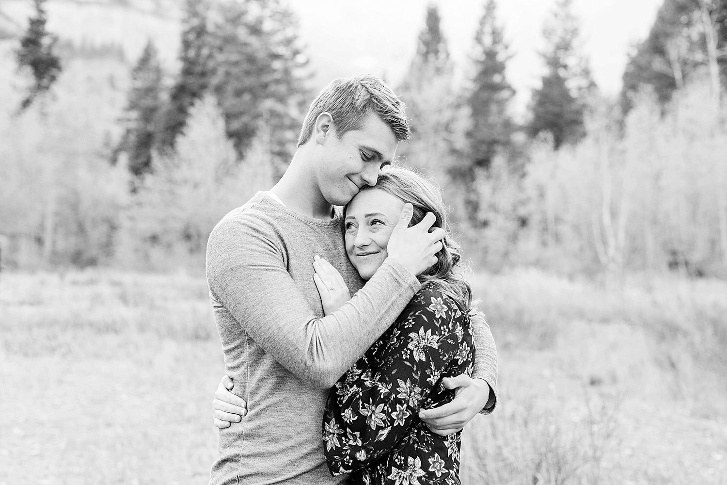 greenapplephotography_0021_utahengagement_mountains.jpg