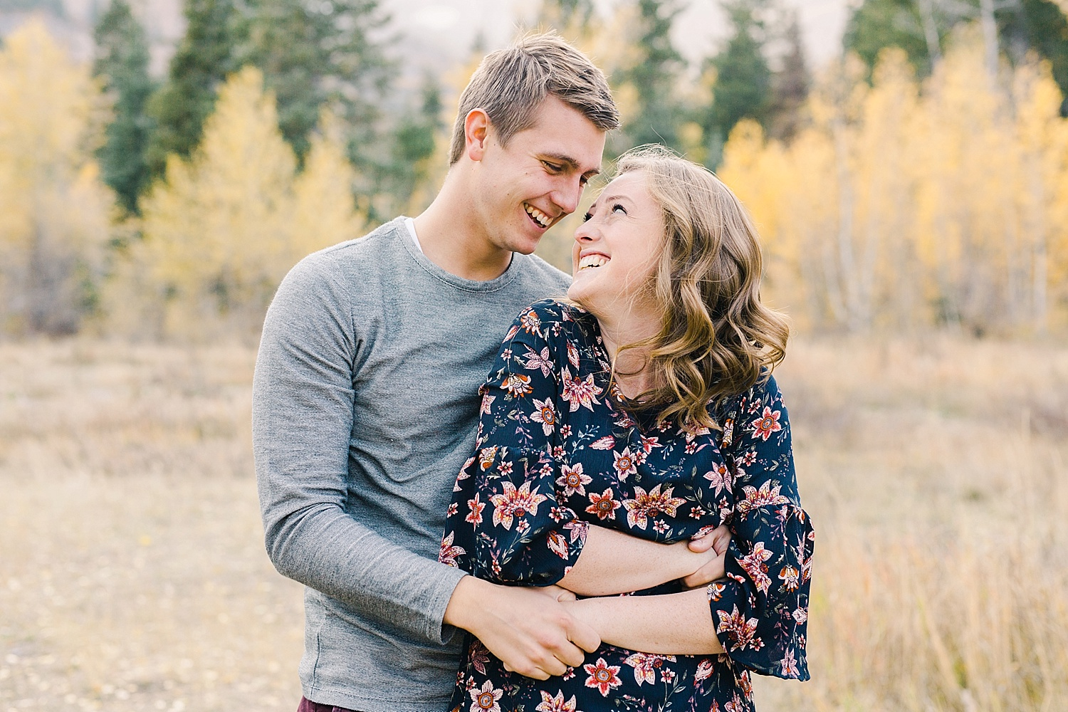 greenapplephotography_0020_utahengagement_mountains.jpg