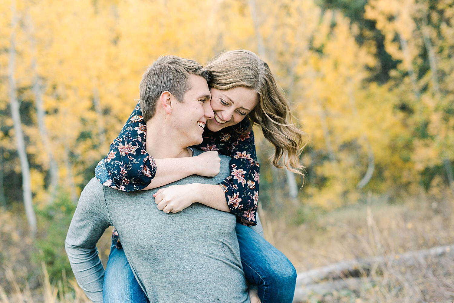 greenapplephotography_0026_utahengagement_mountains.jpg