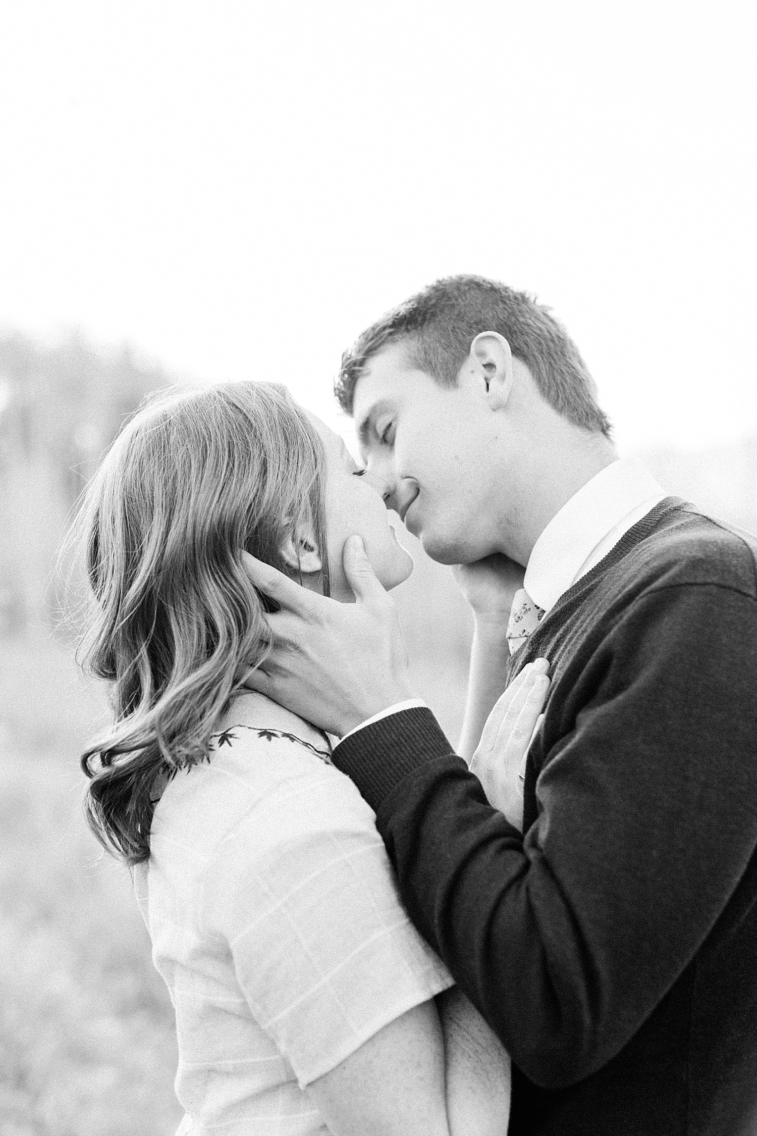 greenapplephotography_0039_utahengagement_mountains.jpg