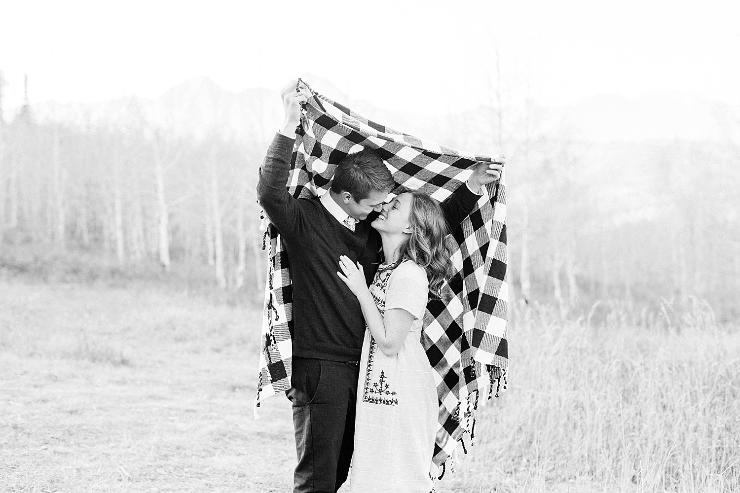 greenapplephotography_0050_utahengagement_mountains.jpg