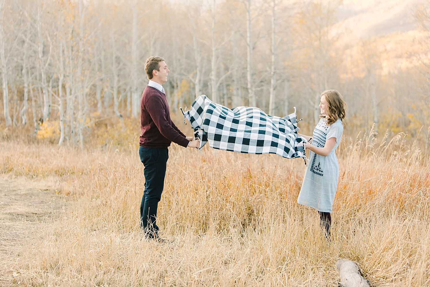 greenapplephotography_0051_utahengagement_mountains.jpg