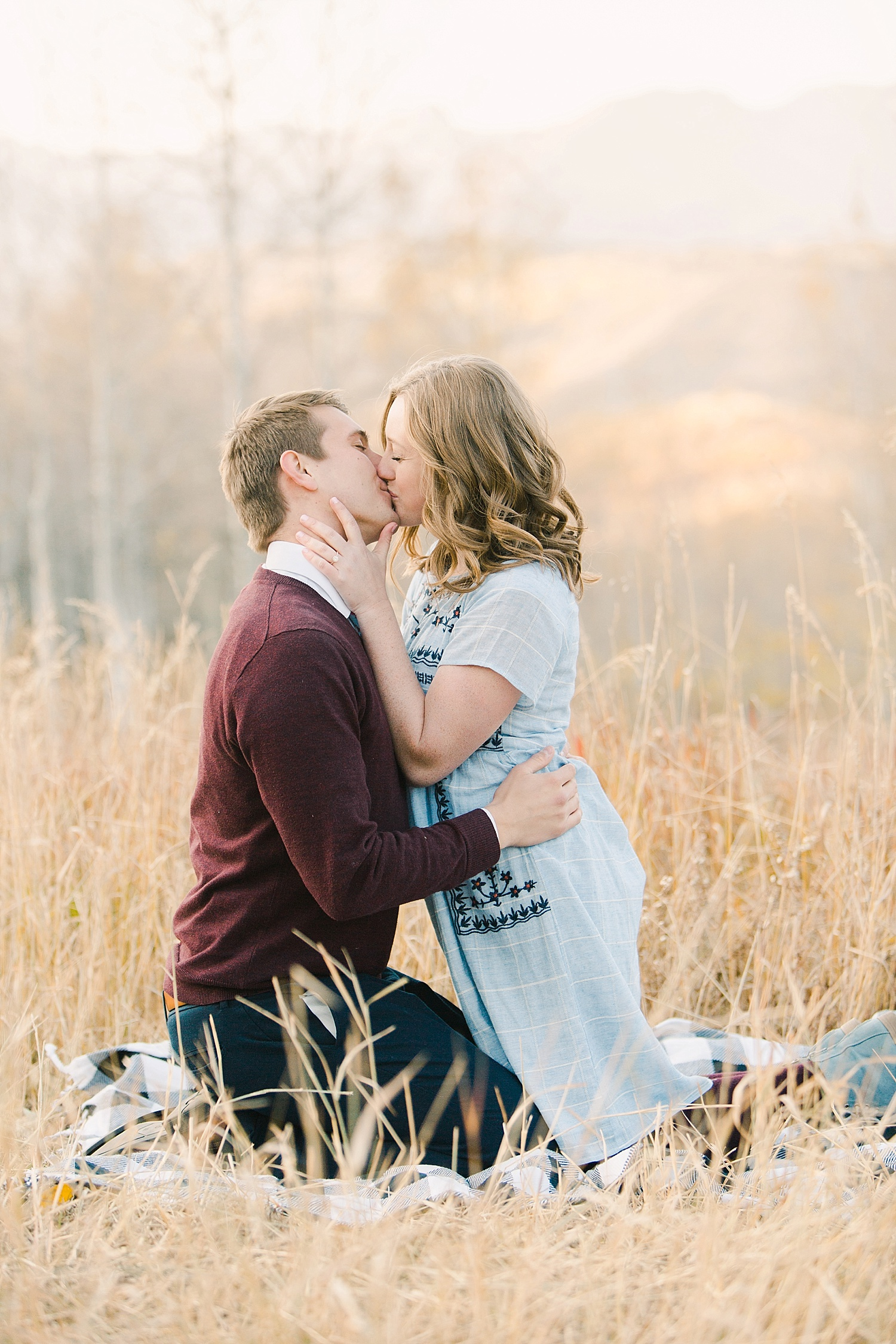 greenapplephotography_0053_utahengagement_mountains.jpg