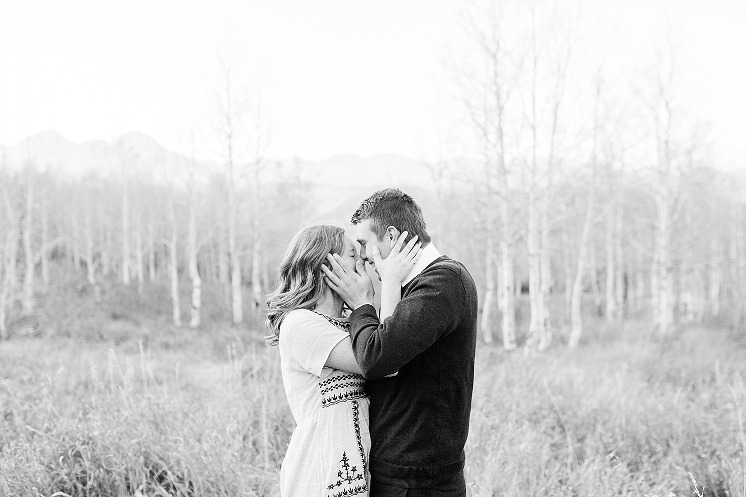 greenapplephotography_0059_utahengagement_mountains.jpg