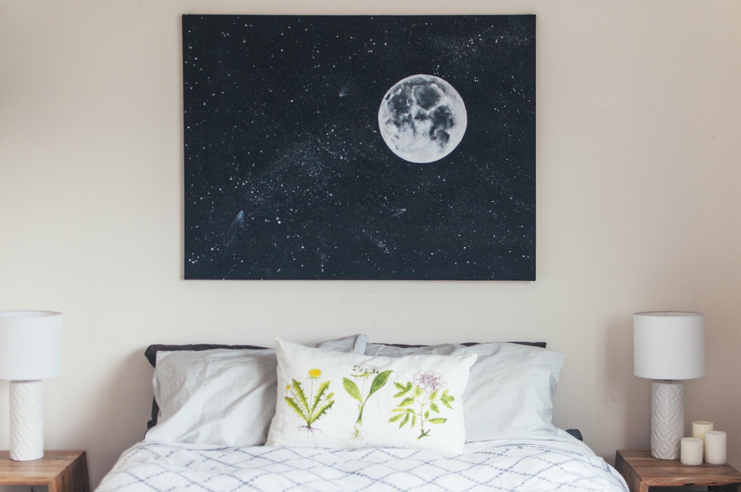 Room_moon_1.jpg