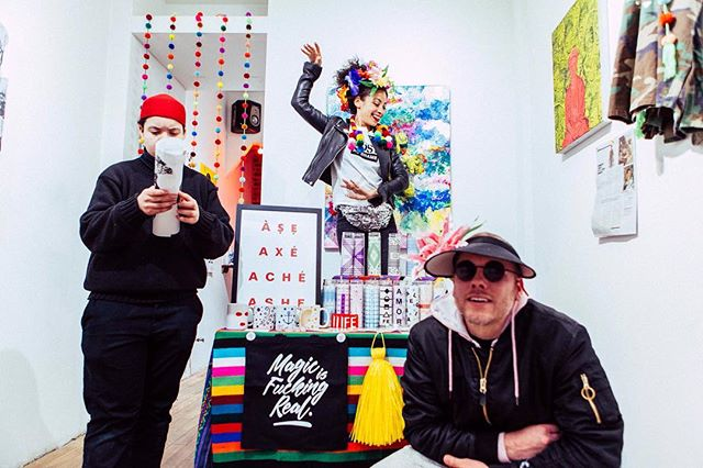 BROOKLYN BRUJERIA POP UP!! . . . Shout out to @chiquitabrujita for her pop up //retail party at the @lazysusangallery . . . #popupshop #lazysusangallery #chiquitabrujita #teamcanon #fabulmanndoesphotos