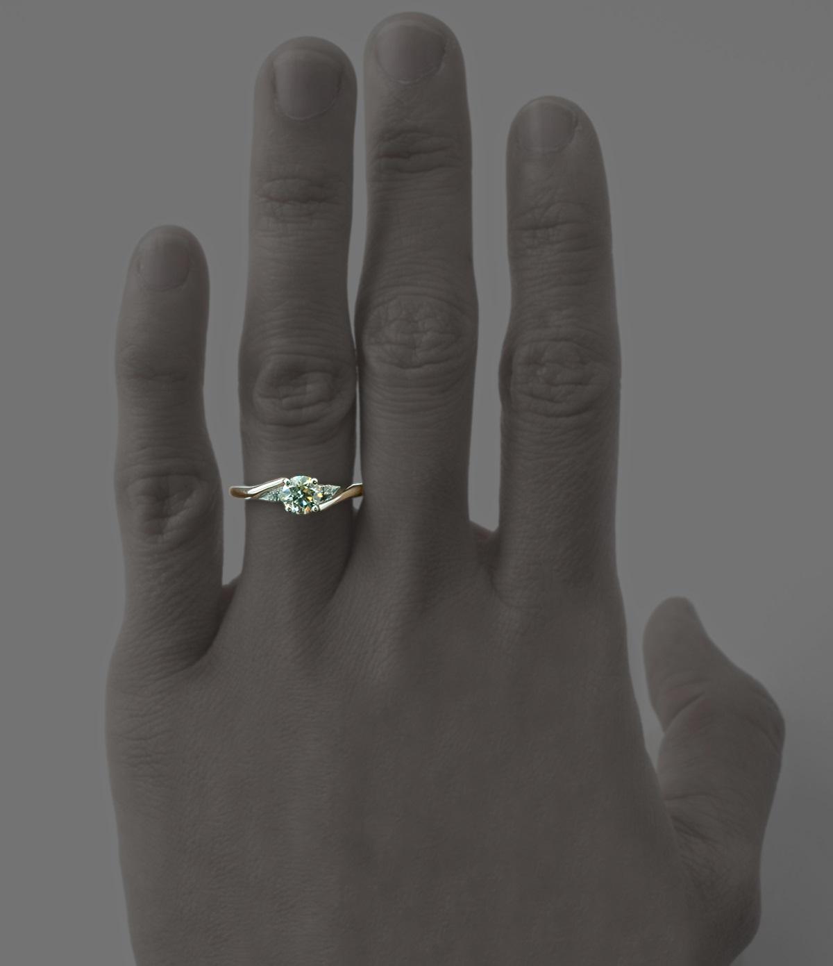 kiss ring worn