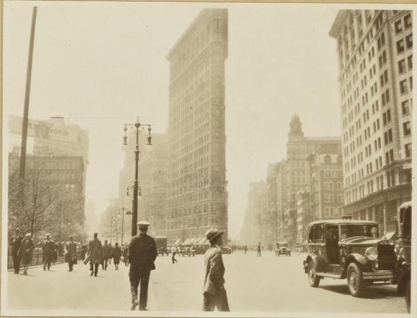 Flatiron Building circa 1925; Source: New York Public Library