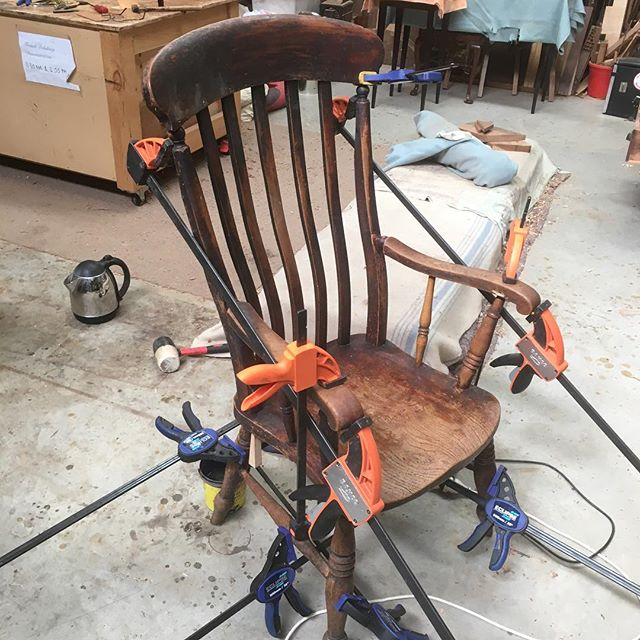 Nails removed and reglued. The usual situation of clamps every where. . . . #woodcarving #carving  #finefurniture #chair #furnituremaker #chairmaking #woodworking #handmade #furniturerestoration #antiquerestoration #frenchpolishing #shellac #workshops #reproductionfurniture #kyneton #macedonranges