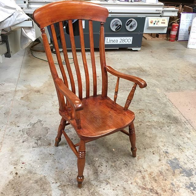 Reglued, cleaned and finished in shellac and wax . . . #woodcarving #carving  #finefurniture #chair #furnituremaker #chairmaking #woodworking #handmade #furniturerestoration #antiquerestoration #frenchpolishing #shellac #workshops #reproductionfurniture #kyneton #macedonranges