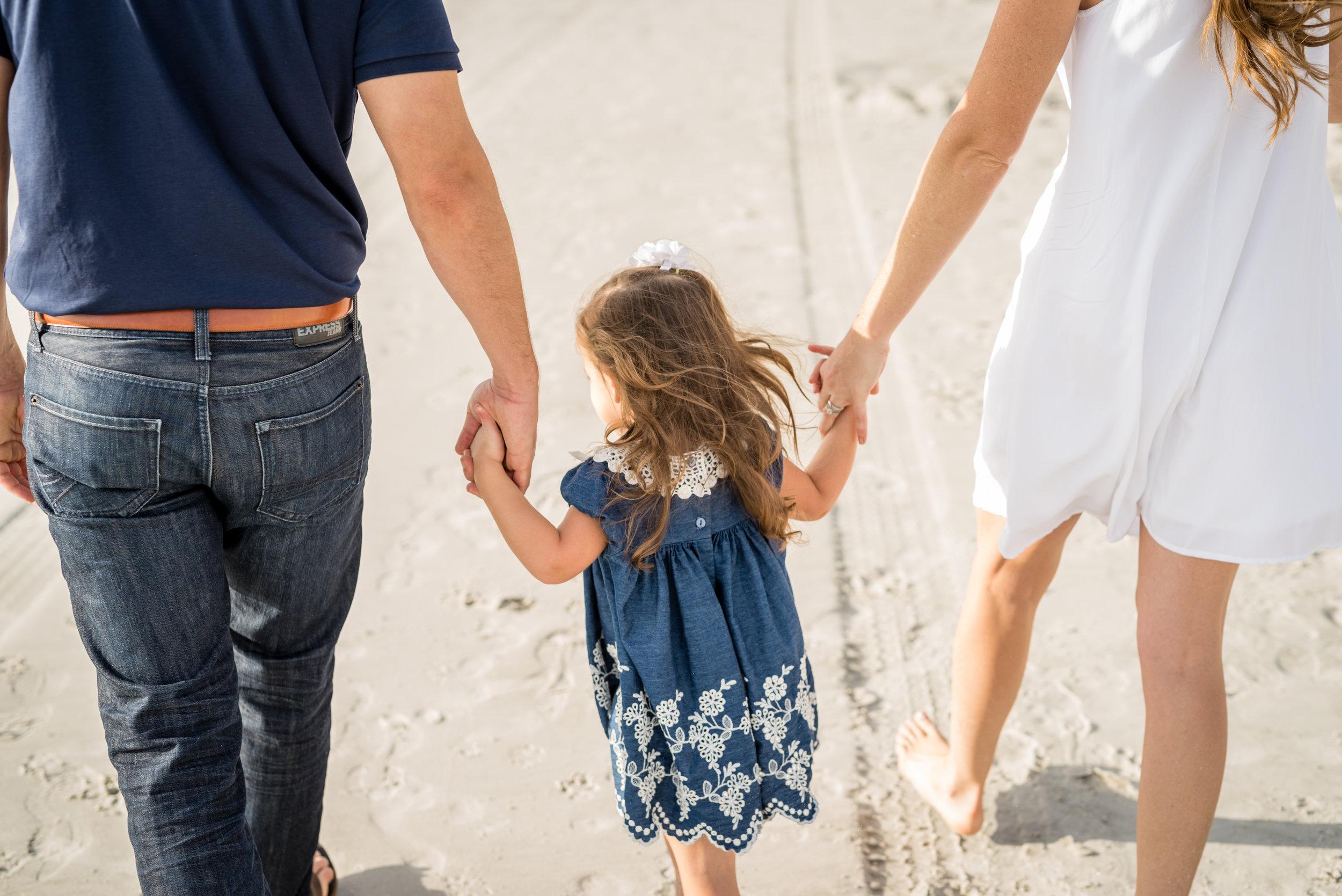 beachfamilyphotos-kristingroverimages.jpg