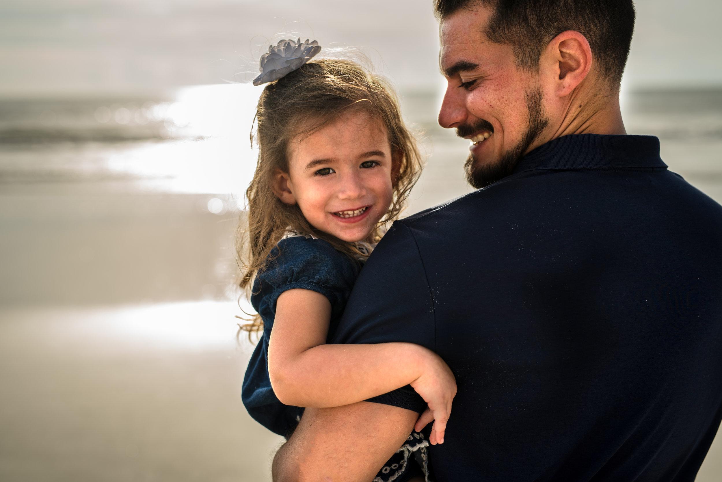 fatherdaughterbeachphotography-kristingroverimages.jpg