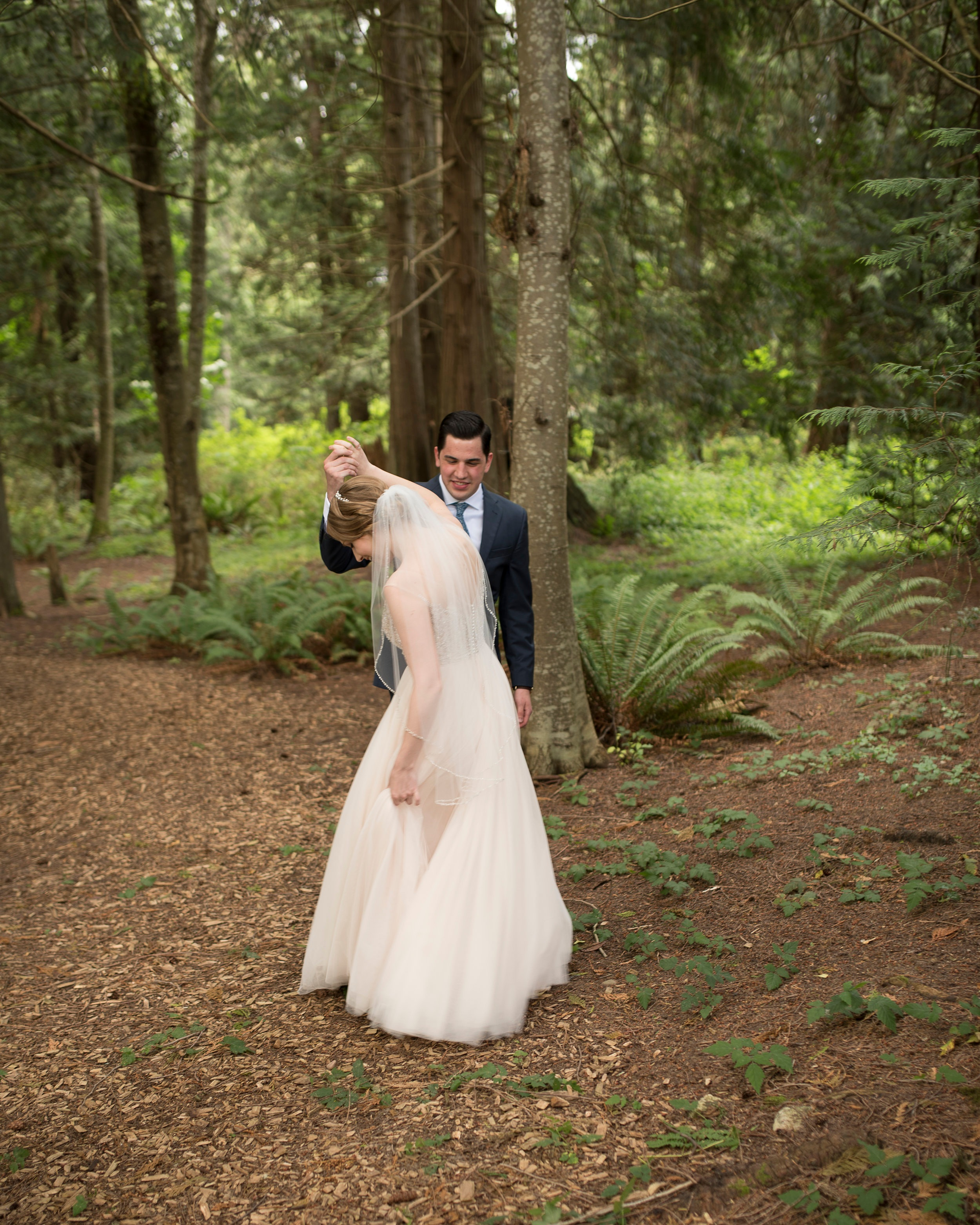 first look twirl wedding photo. Kristin Grover Images. Jacksonville, FL wedding photographer