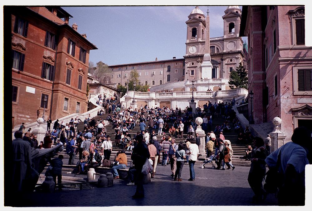 Piazza Spagna, Roma. Full negative print. Kodak Gold 100. Shot on a Contax T2.