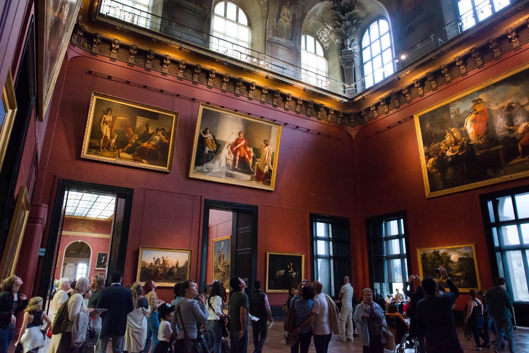 Dan le Louvre. A touch of Français, just like the reviews of Monsieur Photo Blogger...