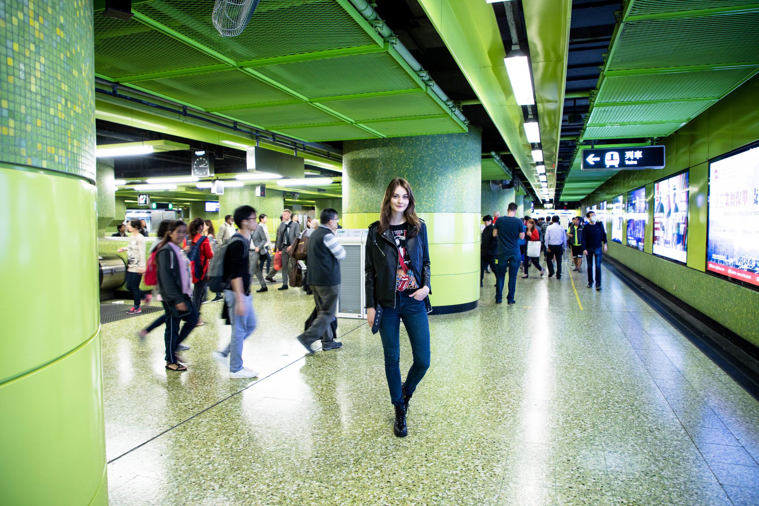 At the subway platform. Shot at 24mm, ISO 500, 1/30s, f/4