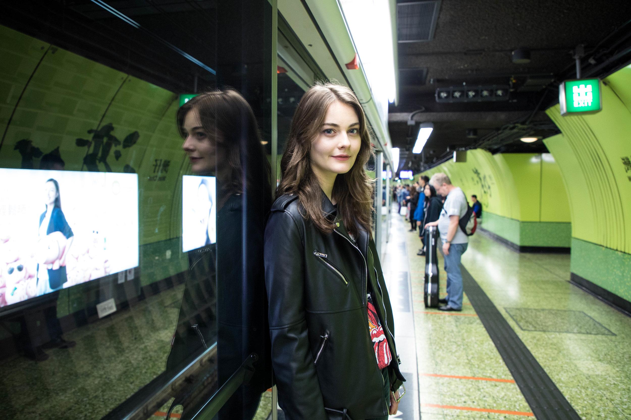 At the right subway platform. Shot at 24mm, ISO 1250, 1/30s, f/4